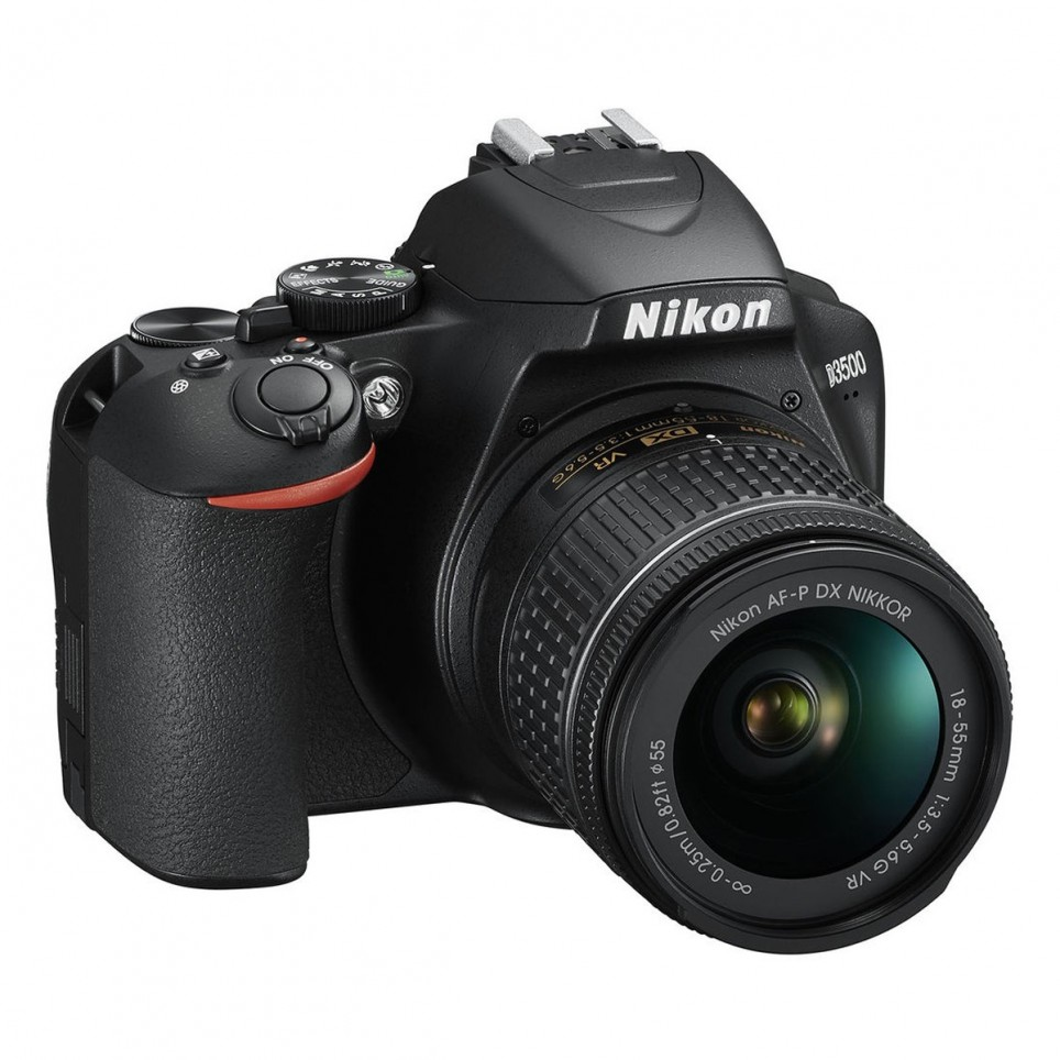Nikon D3500 DSLR con lente 18-55mm VR