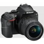 Nikon D5600 con lente 18-55mm f/3.5-5.6G VR